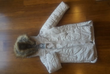 Girl 7/8/9 yrs  size 7  Jacket..  Witchery brand