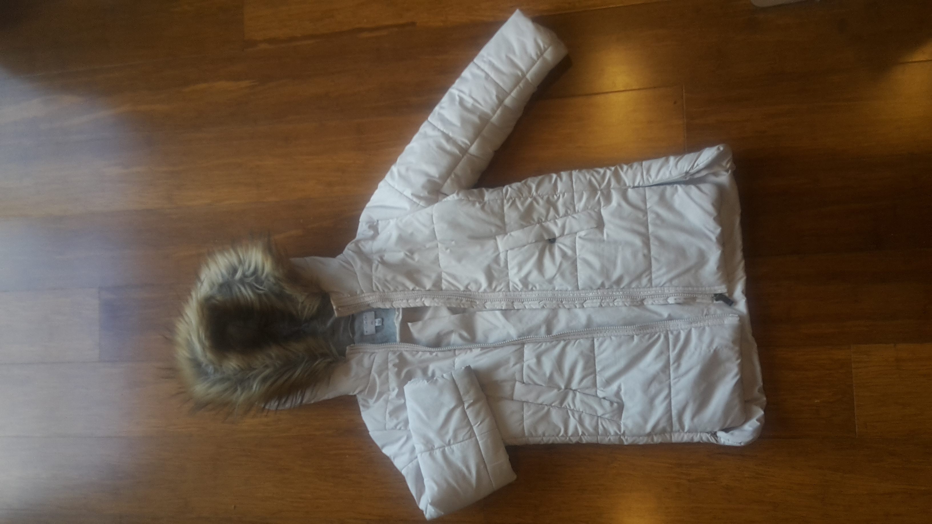 Girl 7/8/9 yrs  size 7  Jacket..  Witchery brand