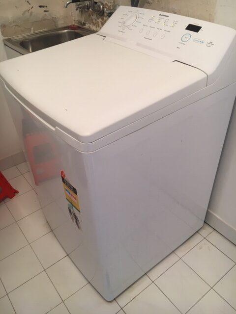 Simpson 9.5kg top loader washing machine