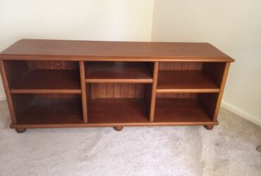 Entertainment Unit/Book shelf